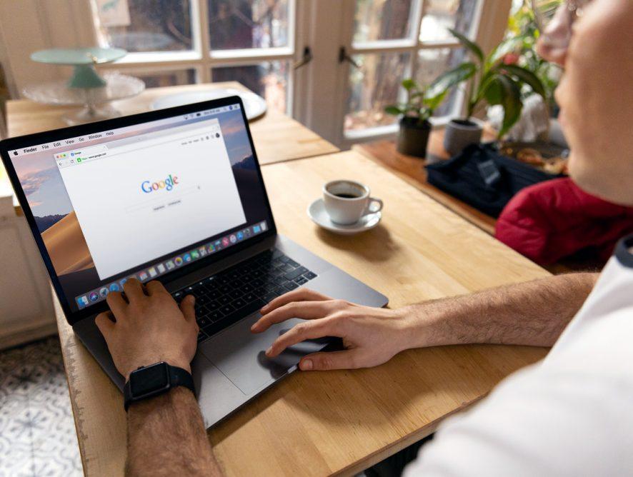Guide til at blive bedre til at bruge google til at søge efter informationer